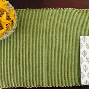 Table mat & napkin set olive green